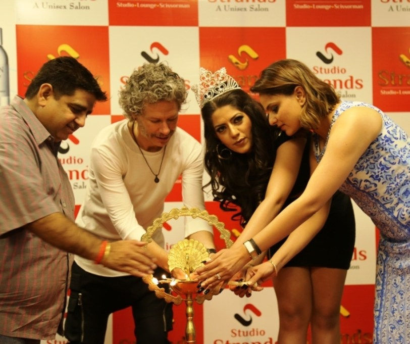Studio Strands open new saloon at Sainik farm new delhi, Miss Globe international represntative Rammya singh was present at the occasion2 (1)