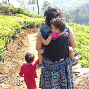 babywearing traveling with kids