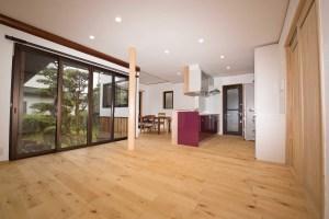 エッグウォールを使ったクロス 自然素材の家づくり 株式会社自然工房縁