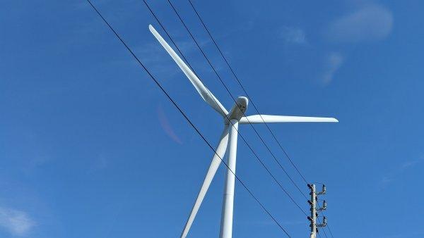 静岡県御前崎市の風力発電。間近に迫る風車に感動!