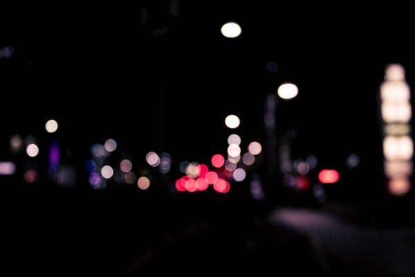 一晩に違うストーリーで似た夢を2つも見る恐怖。。。知らない人が家に侵入!