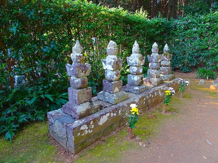 井伊直虎の墓
