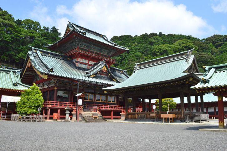 駿河国総社の神部神社(静岡浅間神社)拝殿