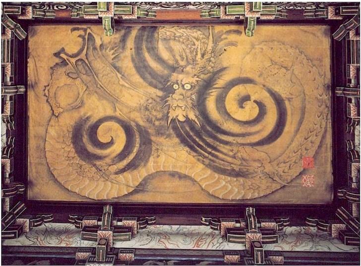 浄感寺天井に描かれた鏝絵『八方にらみの龍』