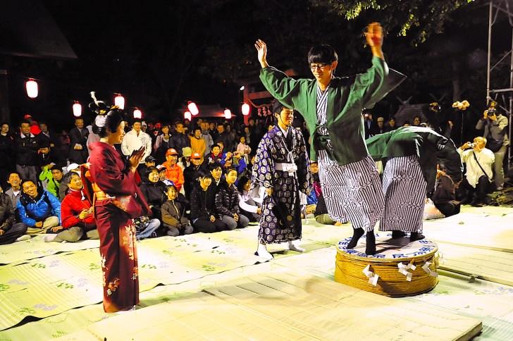 毎年11月10日に行なわれる『尻つみ祭り』