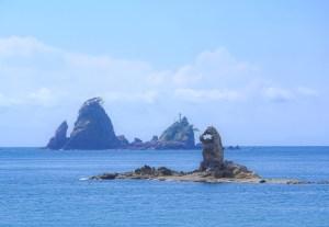 大田子海岸・めがねっちょ(ゴジラ岩)