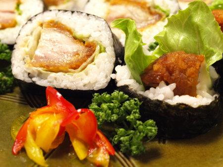 SUSHI-ROLL-TONKATSU