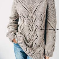 Бежевый свитер спицами