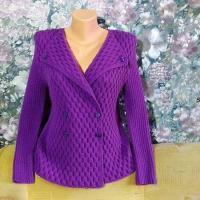 Элегантный фиолетовый жакет спицами