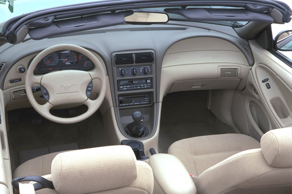 Ford Mustang Photo Gallery 2000 Interior