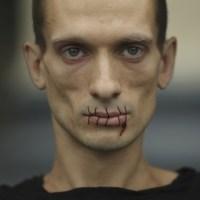 Piotr Pavlenski – un artiste qui en a !