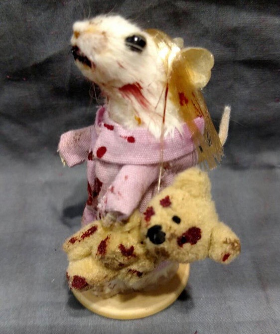 rachel-garcia-souris-walking-dead-zombie-taxidermie-14