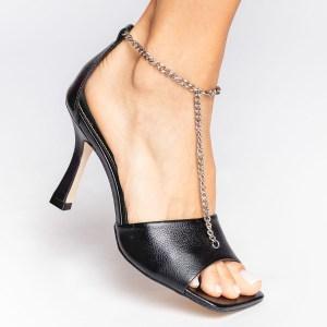 sandalia-verão-2021-corrente-Amina-Muaddi-bottega-veneta-preta-bico-quadrado-shoes-to-love-loja-online-calçados-femininos-tendencias