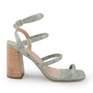 sandalia-feminina-tea-com-tachas-na-cor-do-cabedal-salto-recouro-natural-loja-on-line-de-calcados-feminino