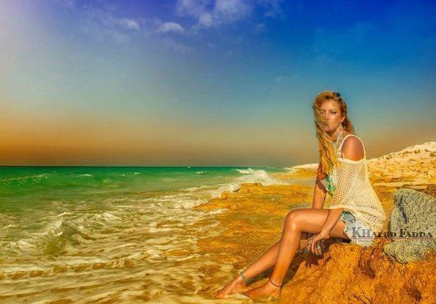 بالصور.. ريم  خلال جلسة تصوير على البحر