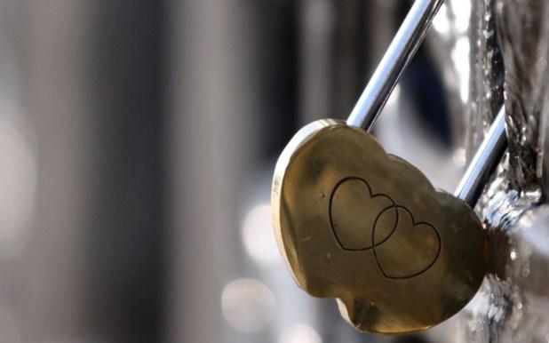 img 1388333487 226 اجدد صور قلوب حب للتصميم , صور خلفيات قلوب رومانتيك