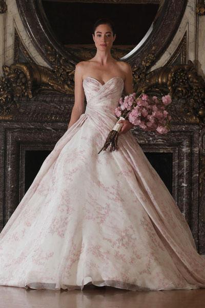 كيف تختارين فستان زفافك المناسب لشكل جسمك