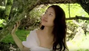 CM中の謎の女優