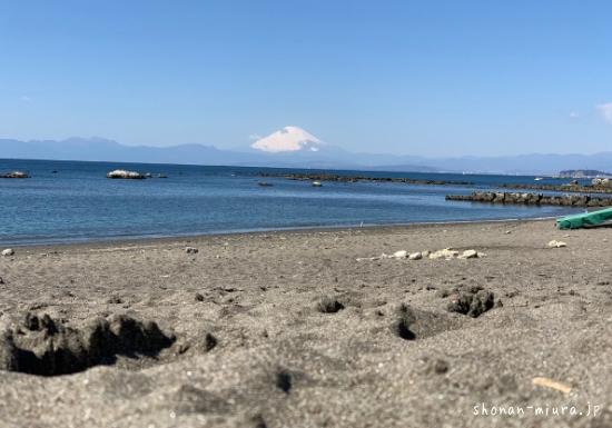 葉山大浜海岸から見た富士山