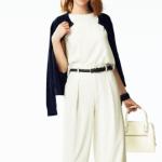 【50代が、ユニクロのインナーでトレンドの透け感のある服をいやらしくなく着こなすコツ】