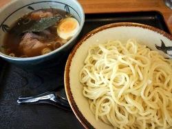 豪快@六会日大前:元祖大勝軒スープと肉厚チャーシューつけ麺