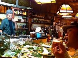 卯月@鎌倉小町通り:創業40年の昭和レトロな炉端焼き&樽酒居酒屋