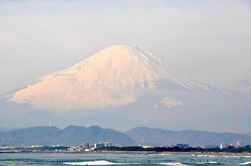 湘南海岸公園から冬の富士山