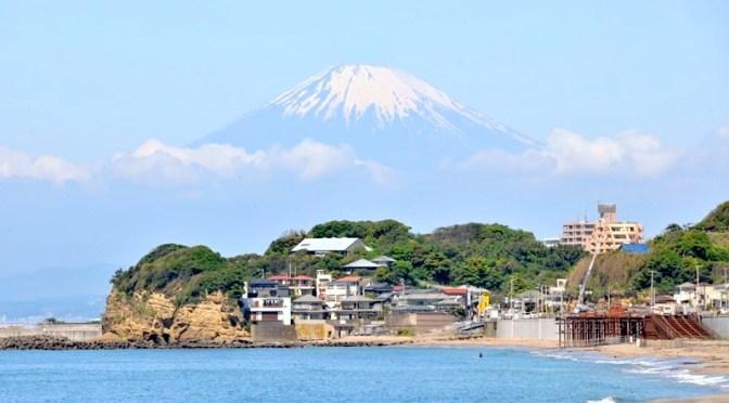 快晴の七里ガ浜&江ノ島から富士山がバッチリ