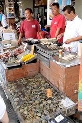江ノ島の食べ歩き新名物は貝作の大あさり