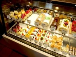 江ノ島片瀬海岸のケーキ&洋菓子おかしの家チロルのケーキ