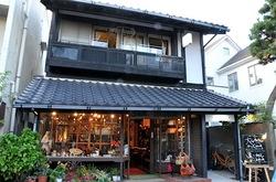 鎌倉小町通りのカフェエチカの外観