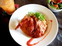 鎌倉小町通りのカフェエチカの渡蟹のトマトソース白味噌仕立て