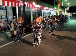 新潟県佐渡島の相川の金山祭りの佐渡おけさ