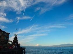 江ノ島に昇る竜雲