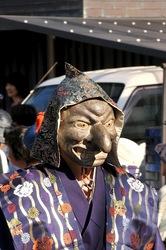 鎌倉御霊神社の例祭「面掛け行列」