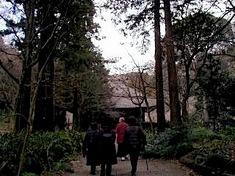 鎌倉紅葉スポット二階堂の覚園寺