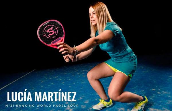 Lucía Martínez con palas de pádel SHOOTER PADEL