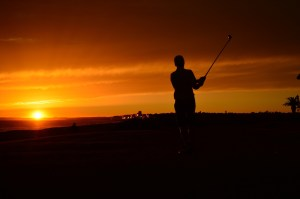 golf-at-sunset