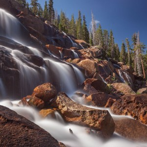 Sierra Nevada: Rainbow Falls and Minaret Falls