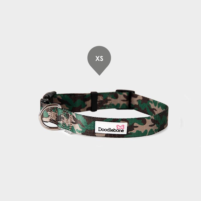 Gemustertes Camouflage Bold Halsband von Doodlebone® in der Größe XS