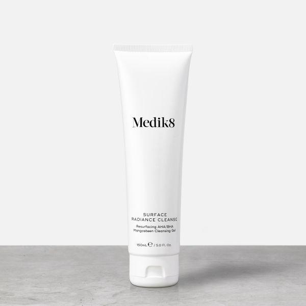 Medik8 Surface Radiance Cleanse καθαριστικό καλλυντικά gel ακμή
