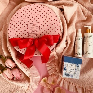 Little Secrets Aurora Valentineʻs Love Gift Box σύσφιξη σώμα ενυδάτωση κερί μασάζ
