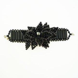 Armband aus schwarzem Kalkstein