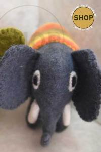 Handgemaakt vilt olifant. 5371. Speelgoed, dieren.