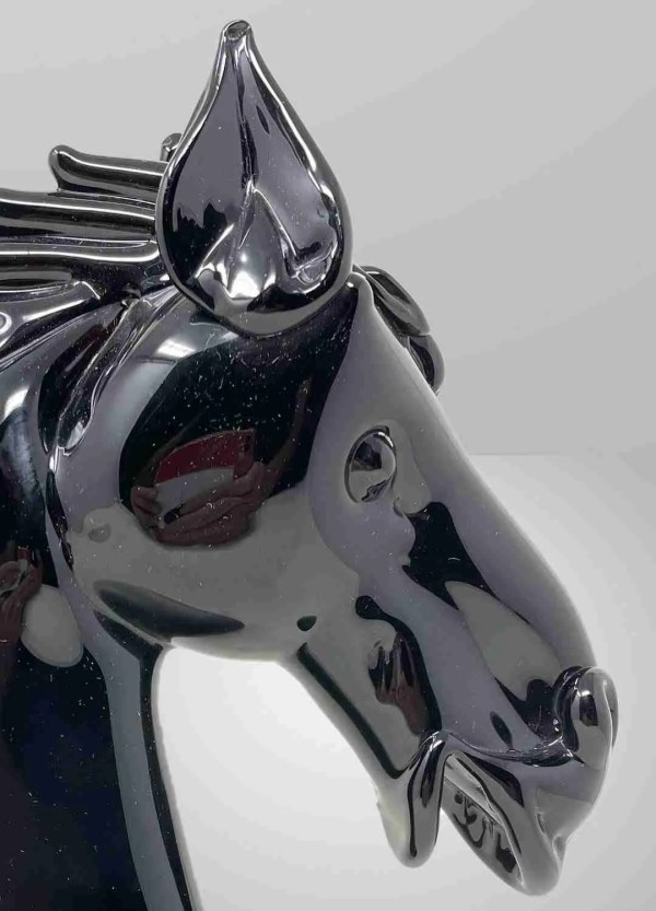 Gorgeous black Murano glass horse head sculpture The art of our glass masters in shaping the glassy shapeless mass.