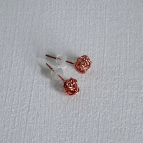French knot studs in copper handmade by copperknit