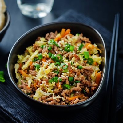 Easy Weeknight Dinner : Black Pepper Beef & Cabbage Stir Fry