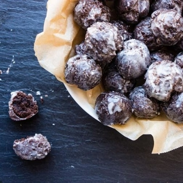 Picture of Chocolate Cake Donut Holes