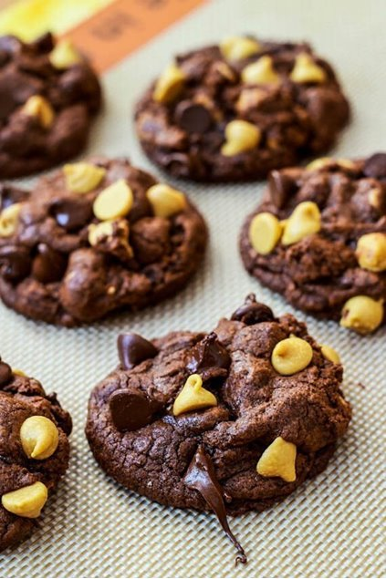 Picture of Chunky Monkey Cookies