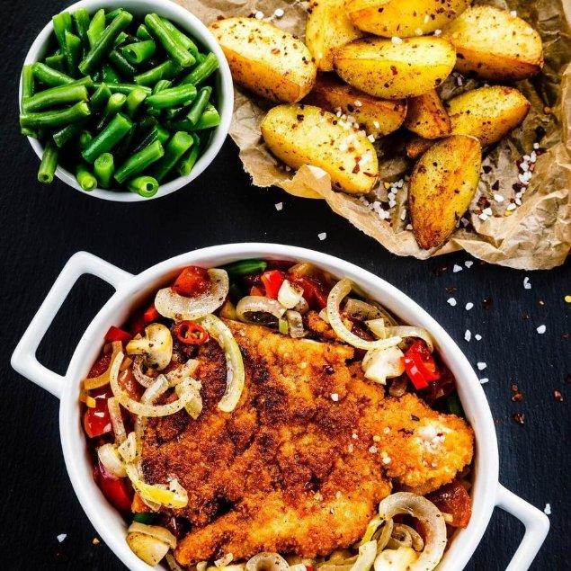 Picture of Crispy Pork Chops with Potato Wedges & Lemon Garlic Green Beans